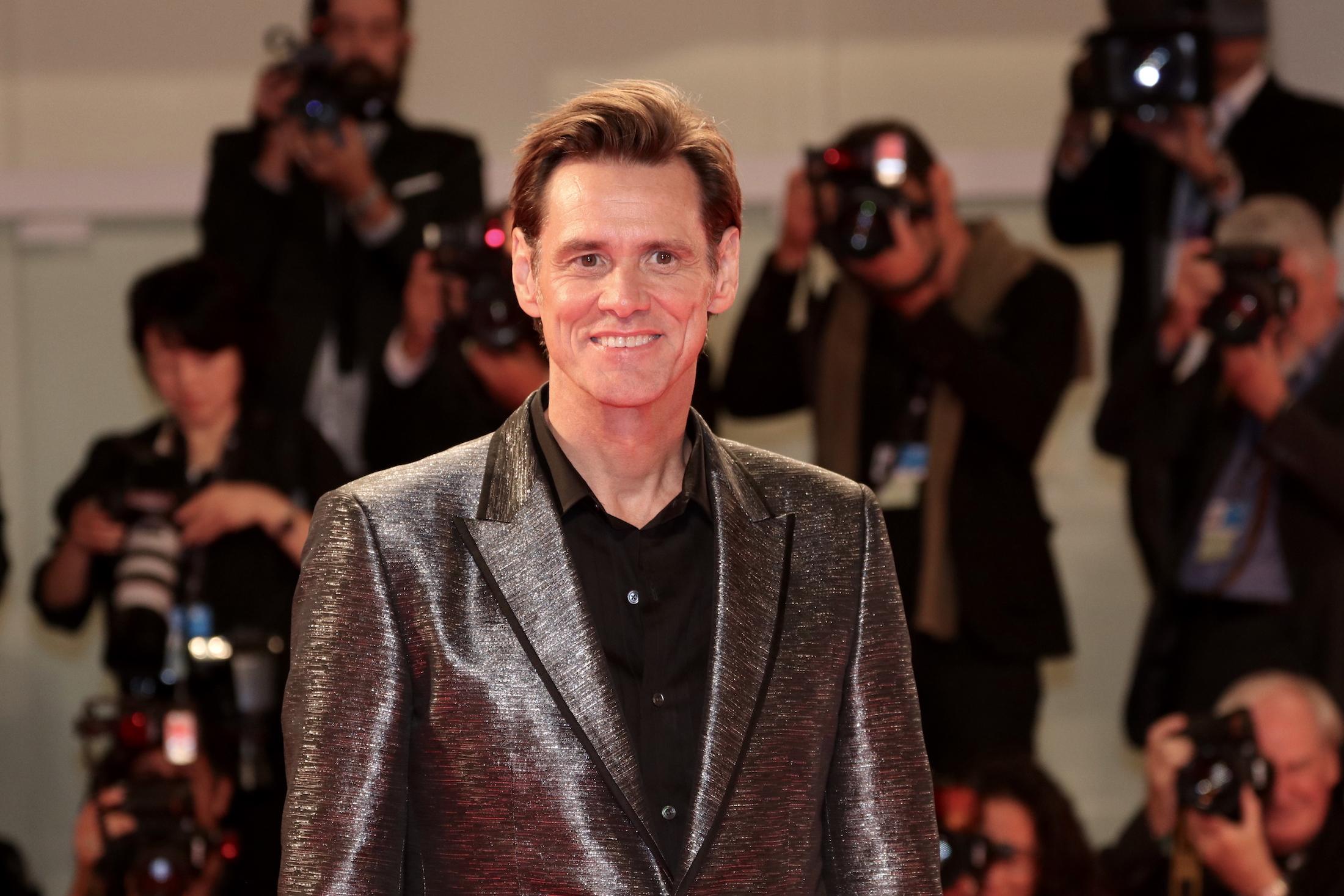 Jim Carrey smiling, at the red carpet
