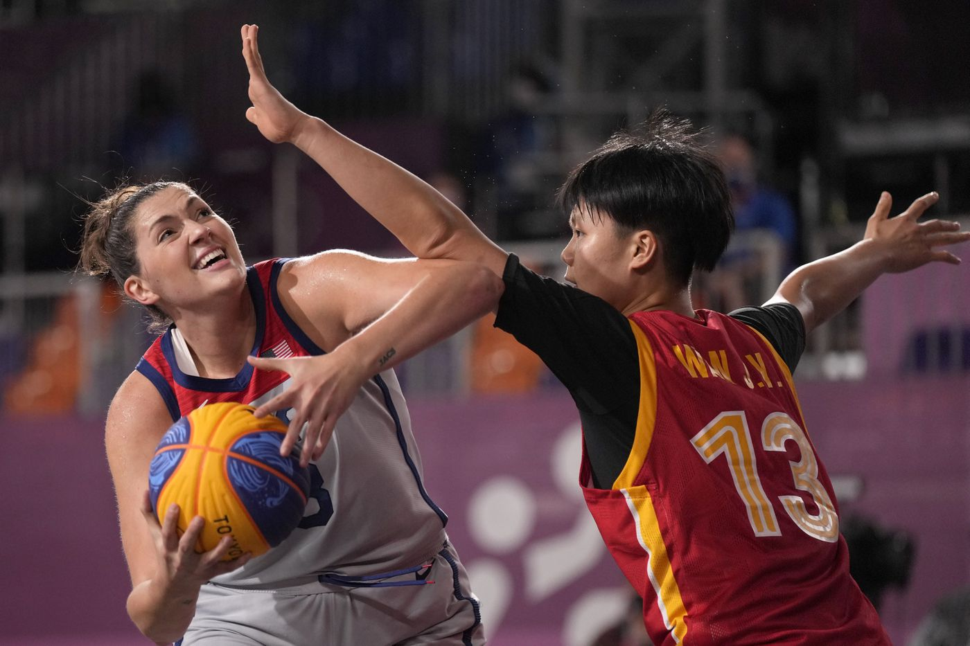 The towering Stefanie Dolson (6.5ft) playing against China's Wan Jiyuan during the women's tournament group stage.
